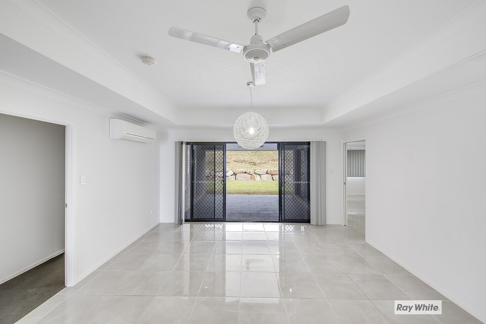 15 Bells Court, Rosslyn QLD 4703, Image 2