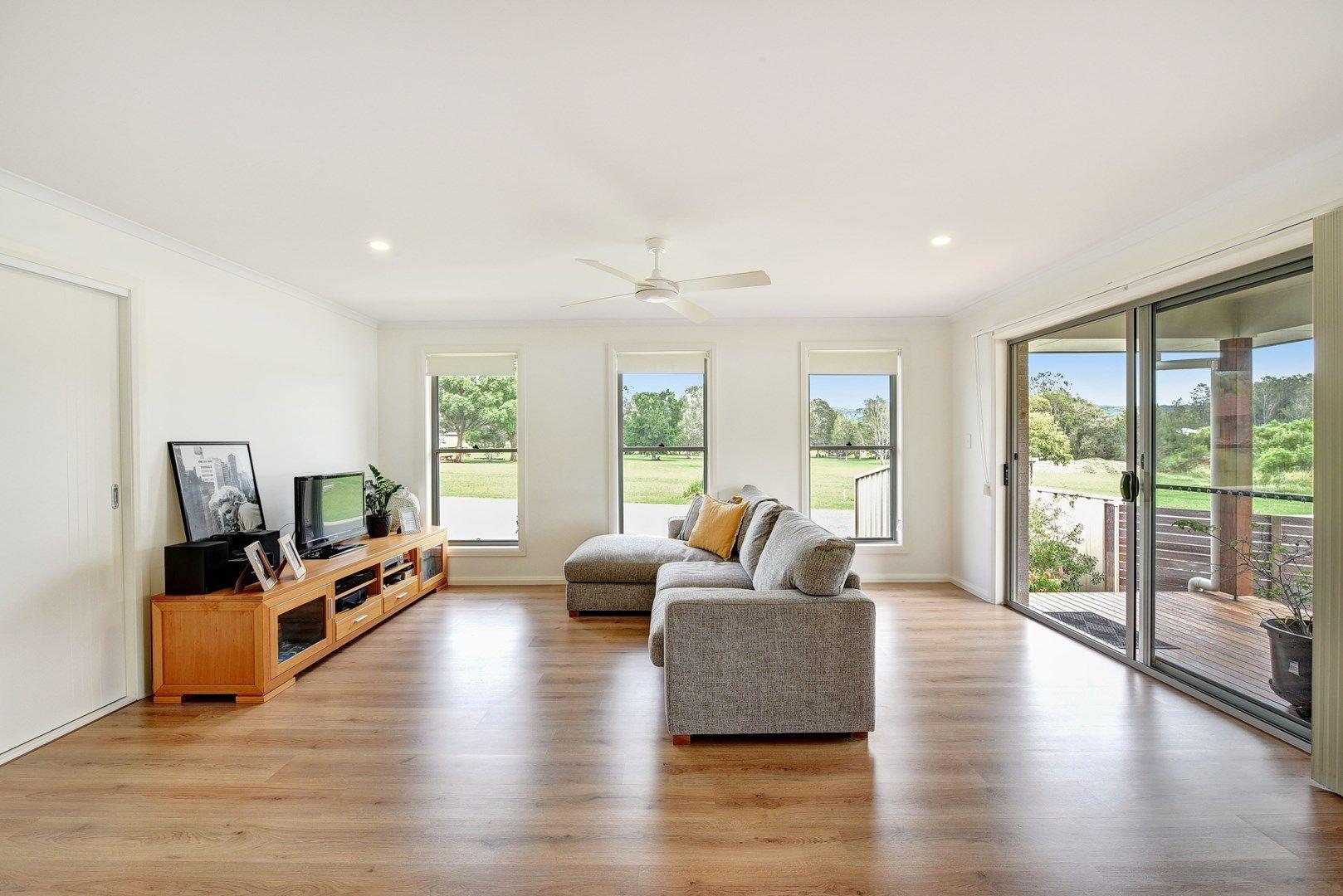 14 Solomon Drive, Lake Cathie NSW 2445