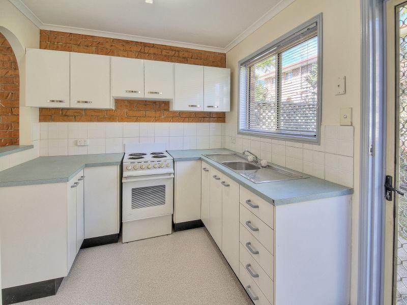 16/3 Costata Street, HILLCREST QLD 4118, Image 1