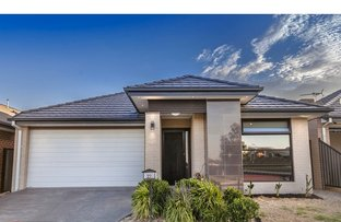 22 Lemon Myrtle Way, Craigieburn VIC 3064