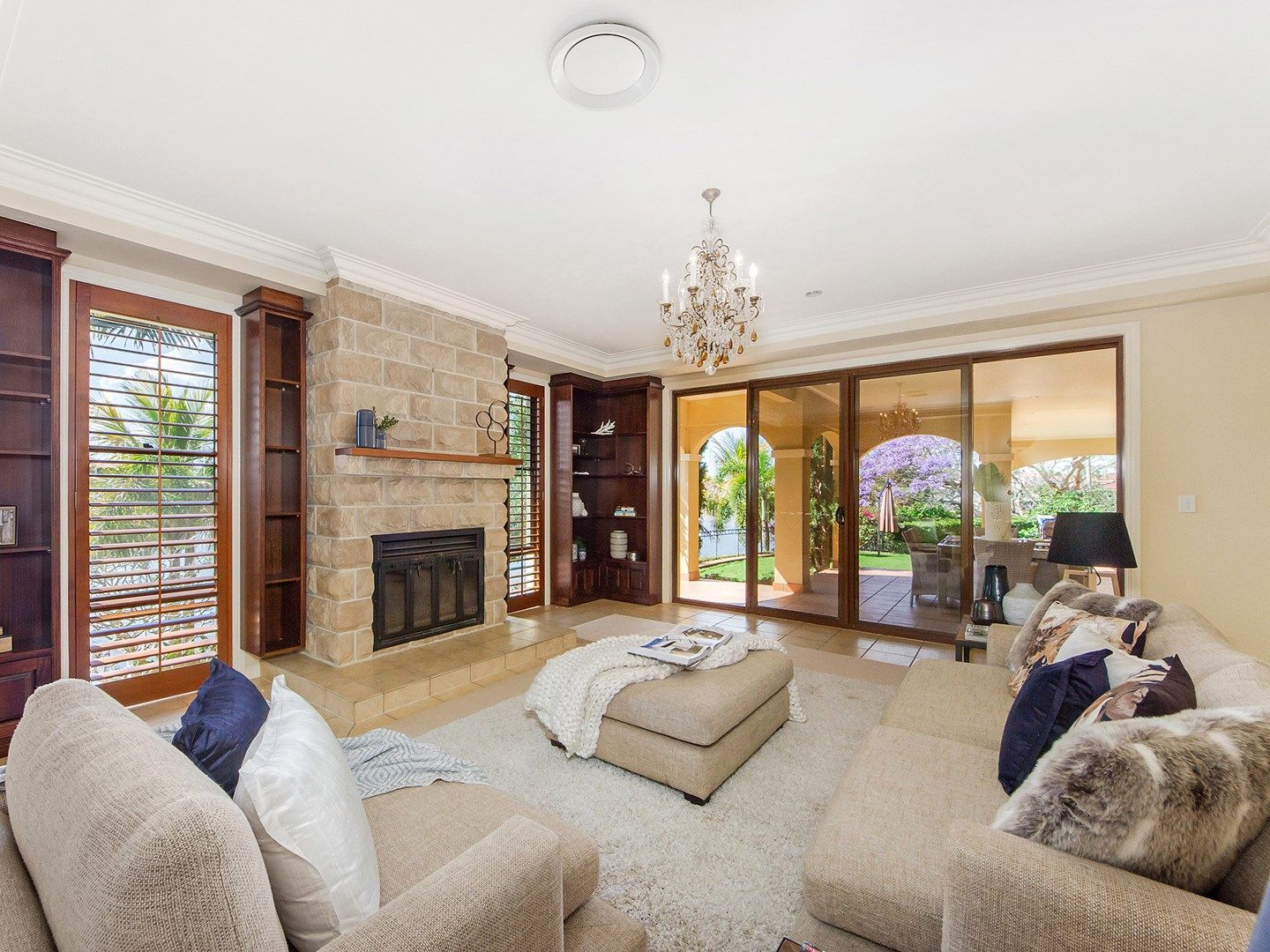 40 Istana  View, Clear Island Waters QLD 4226, Image 2