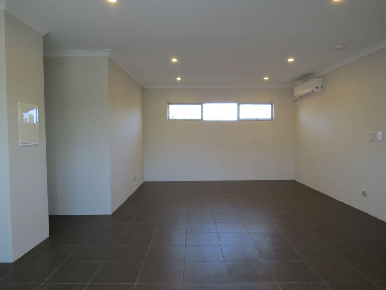 Unit 9, 12 Heath Road, Kalamunda WA 6076, Image 2