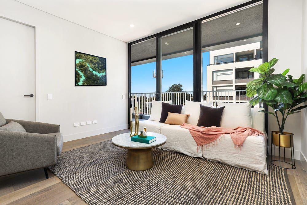 2 bedrooms Apartment / Unit / Flat in B806/74 Macdonald Street ERSKINEVILLE NSW, 2043