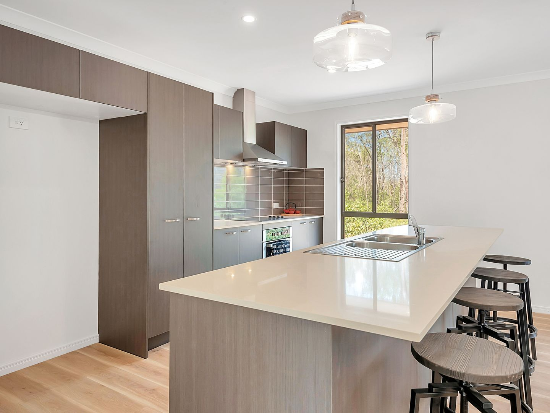 11 Royal Drive, Mount Hallen QLD 4312, Image 2