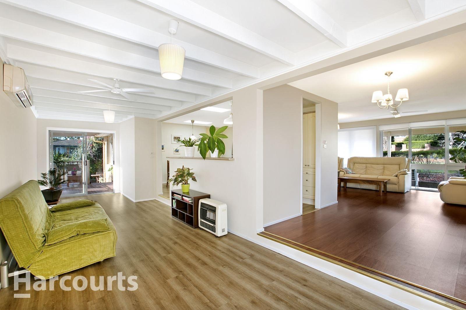 62 Pinaroo Crescent, Bradbury NSW 2560, Image 2