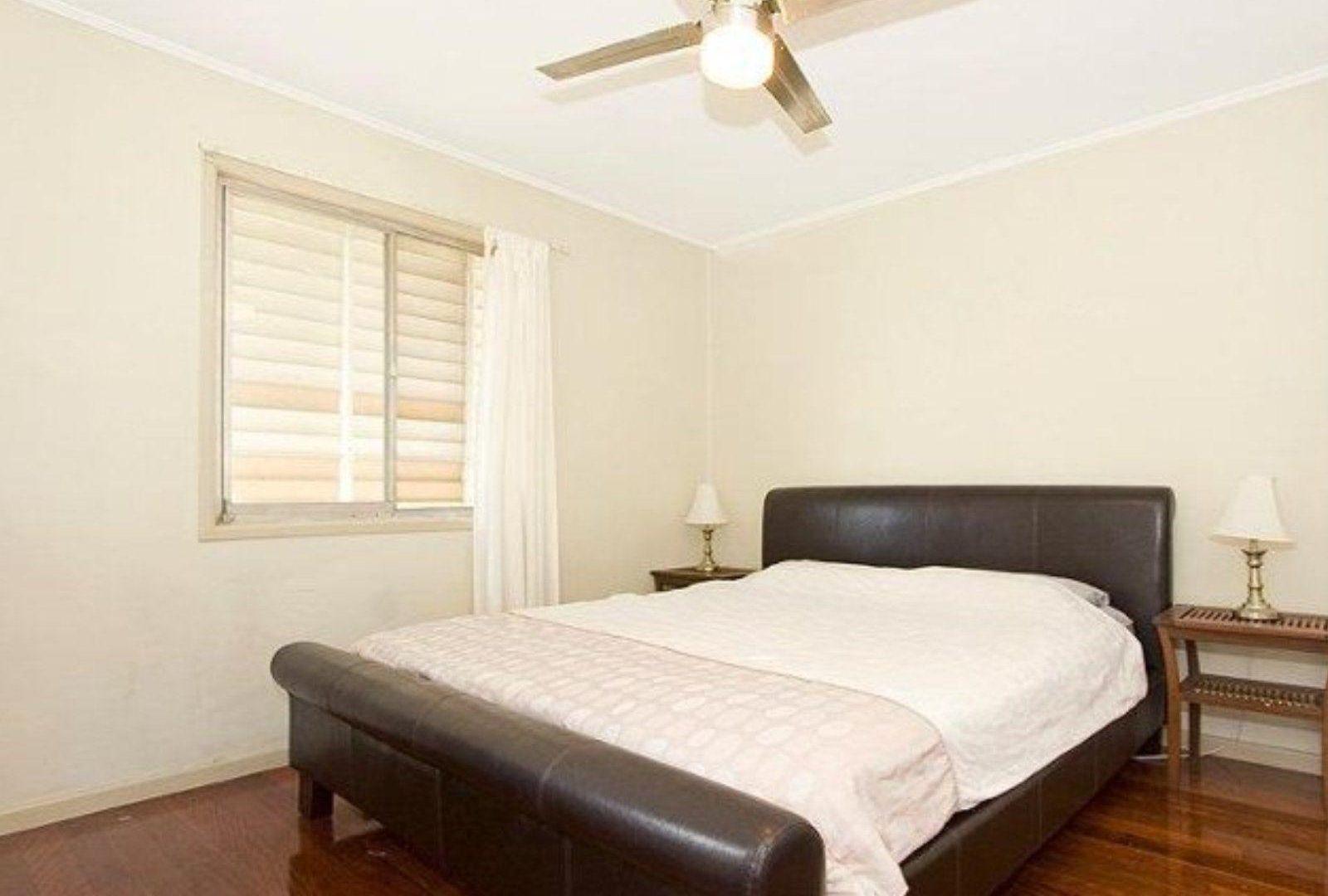132 Golda Avenue, Salisbury QLD 4107, Image 2