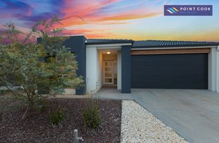Picture of 33 Beachside Crescent, Point Cook VIC 3030
