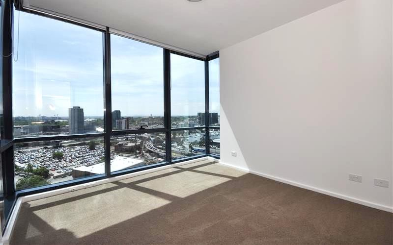 REF 101304/241 City Road, Southbank VIC 3006, Image 2
