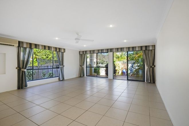 Picture of 1/34 Donald Ave, PARADISE POINT QLD 4216