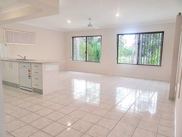 79 Inverness Way, Parkwood QLD 4214, Image 2