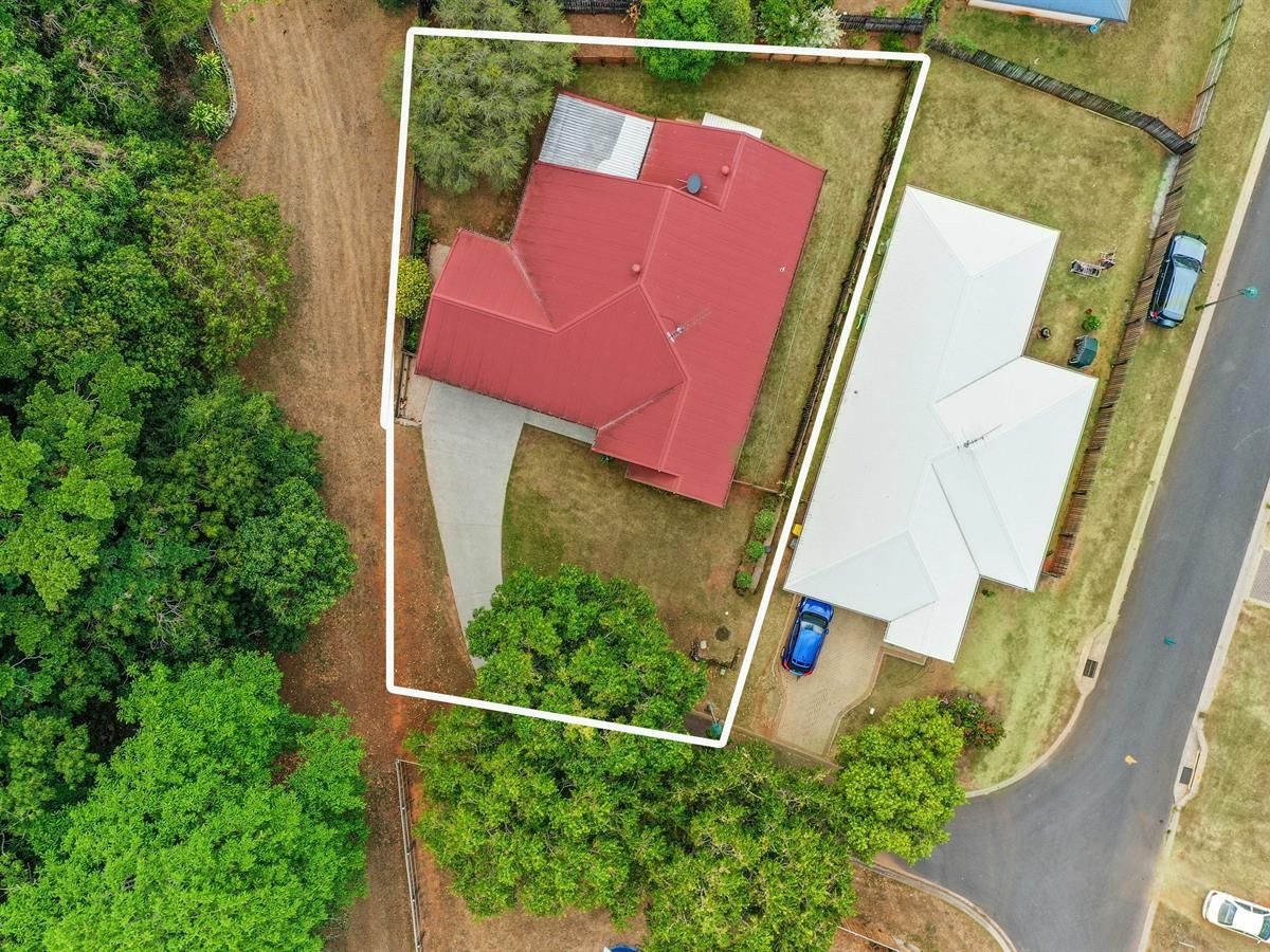 4 Seabreeze Court, Redlynch QLD 4870, Image 2