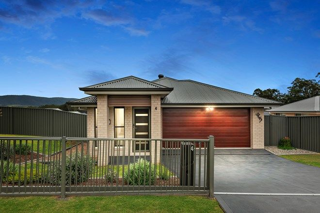 Picture of 4 Rutidosis Close, PAXTON NSW 2325