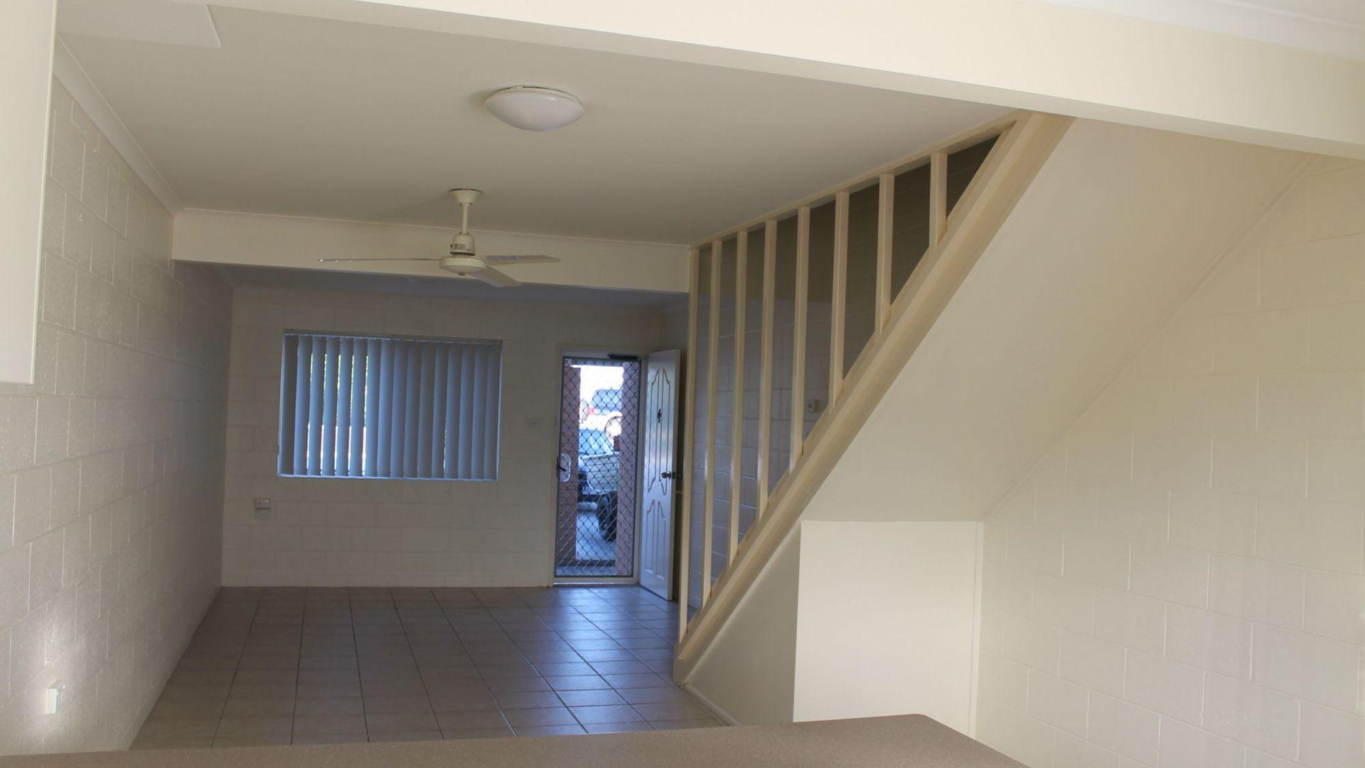 4/4 Elizabeth Street, Tannum Sands QLD 4680, Image 1