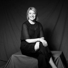Nicole Robertson, Sales representative
