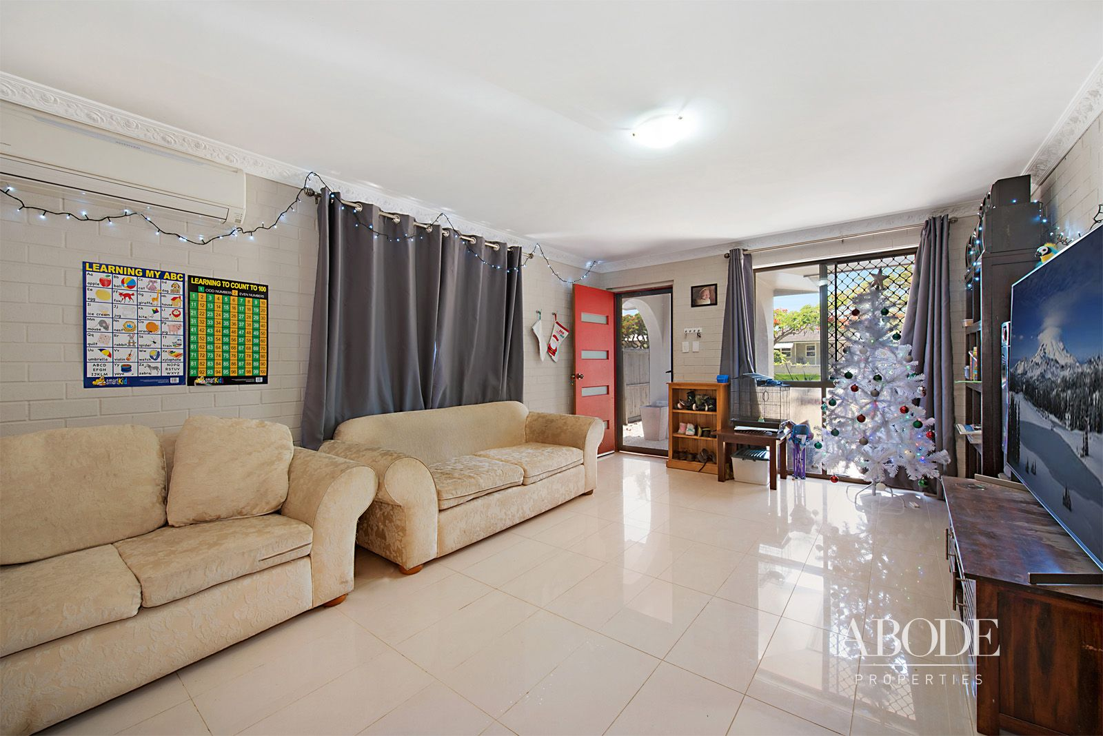 57 Victoria Avenue, Woody Point QLD 4019, Image 2