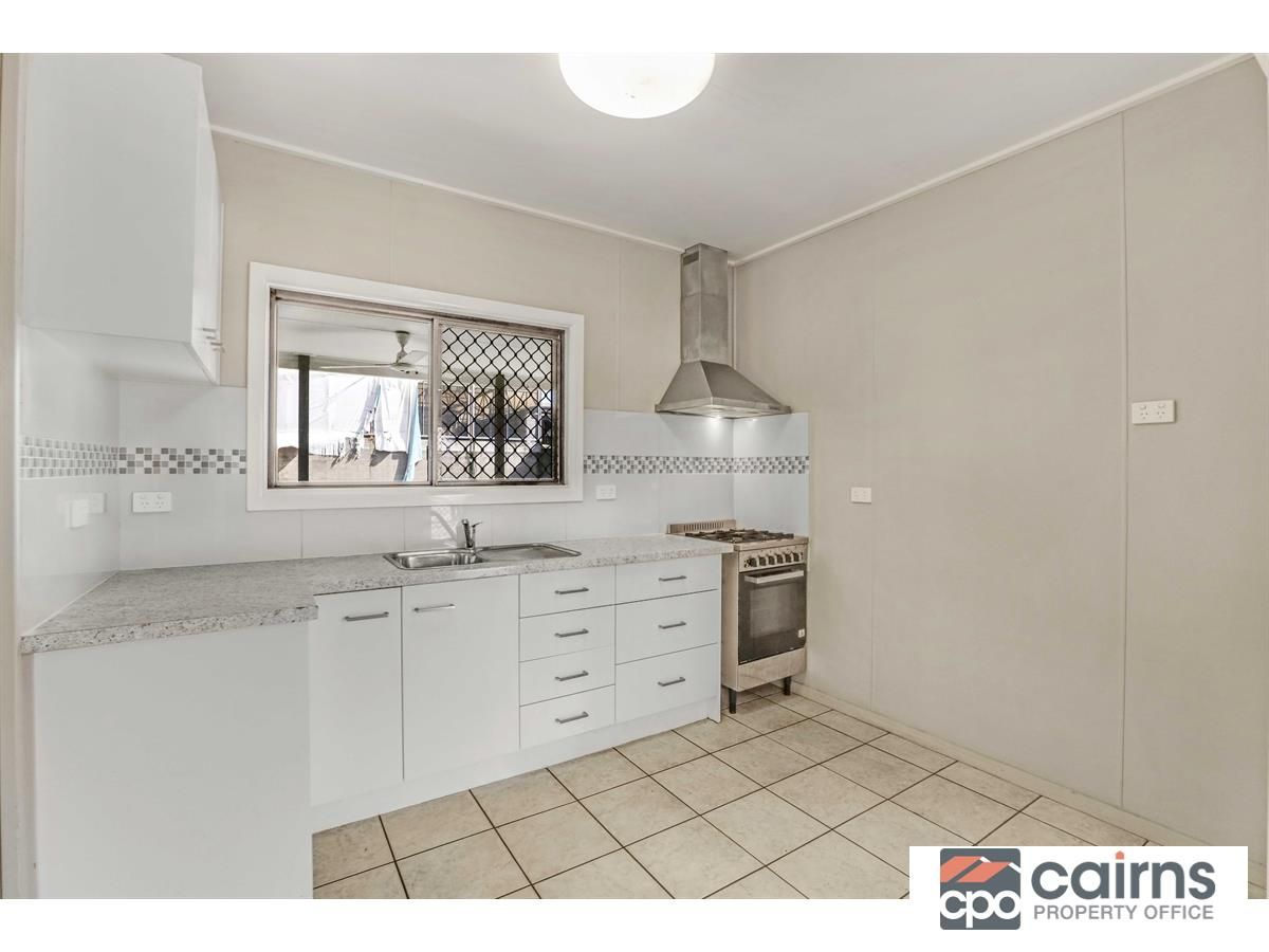 253 Spence Street, Bungalow QLD 4870, Image 2