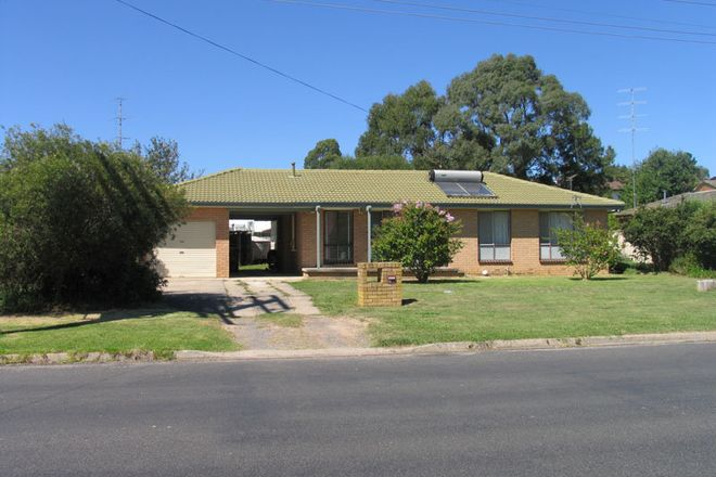 Picture of 38 Parkes Road, MOSS VALE NSW 2577