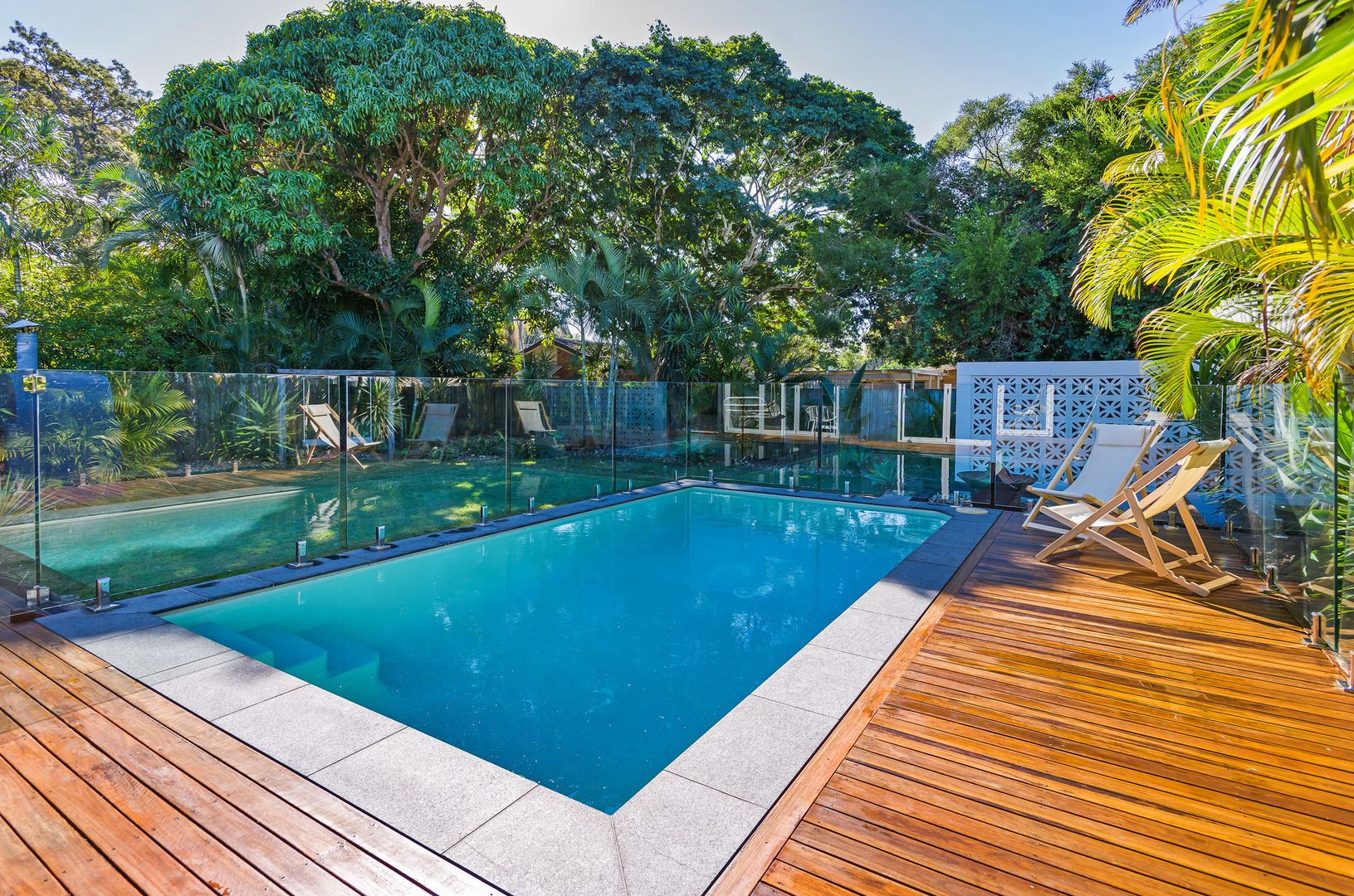 14 Riverside Drive, Currumbin Waters QLD 4223, Image 2