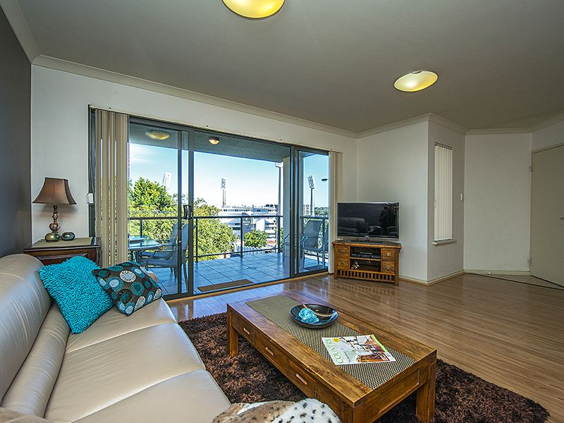 4/14 Waterloo Crescent, East Perth WA 6004, Image 1