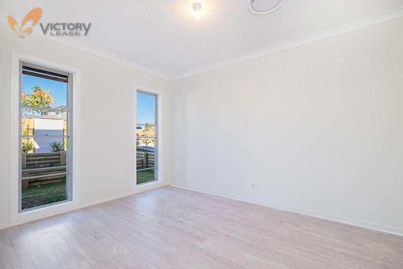6 Grattan Road, Kellyville NSW 2155, Image 2