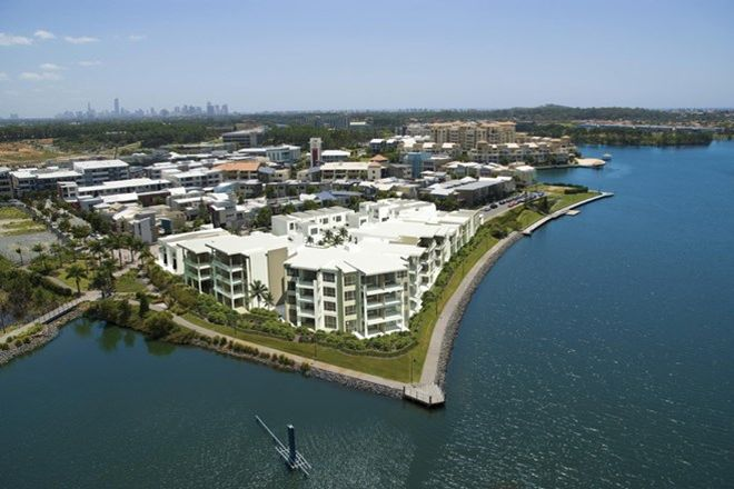 Picture of V5/9 Moores Crescent, VARSITY LAKES QLD 4227