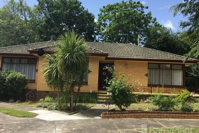 Picture of 4 Chesterfield Court, SOLDIERS HILL VIC 3350