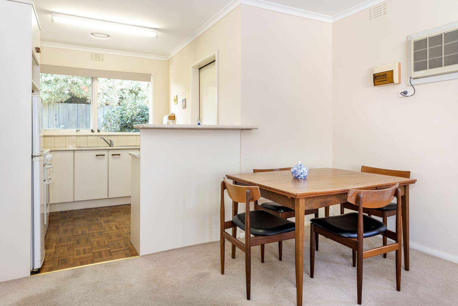 4/1 Jilmax Court, Forest Hill VIC 3131, Image 2