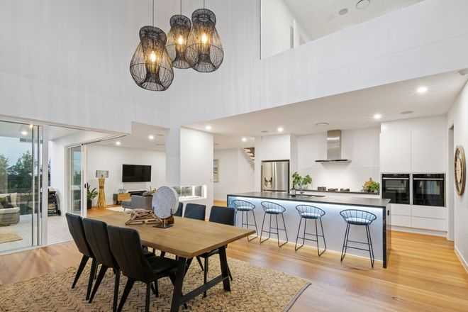 Picture of 27 Acanthus Avenue, BURLEIGH HEADS QLD 4220
