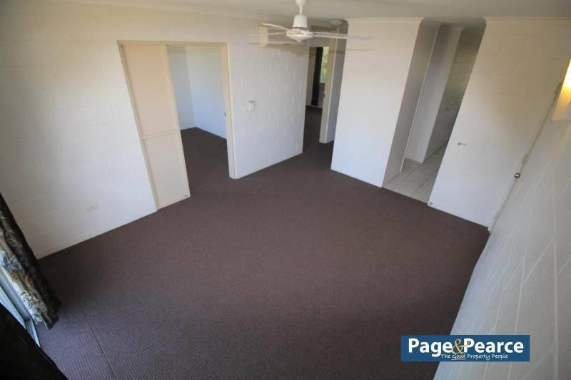 3/4 MARGARET STREET, West End QLD 4810, Image 2