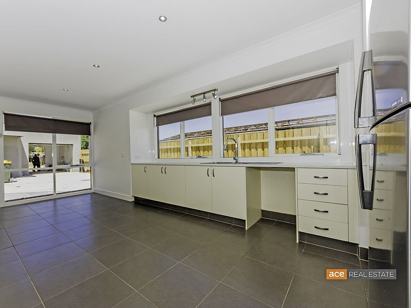 1/21 Railway Avenue, Laverton VIC 3028, Image 2