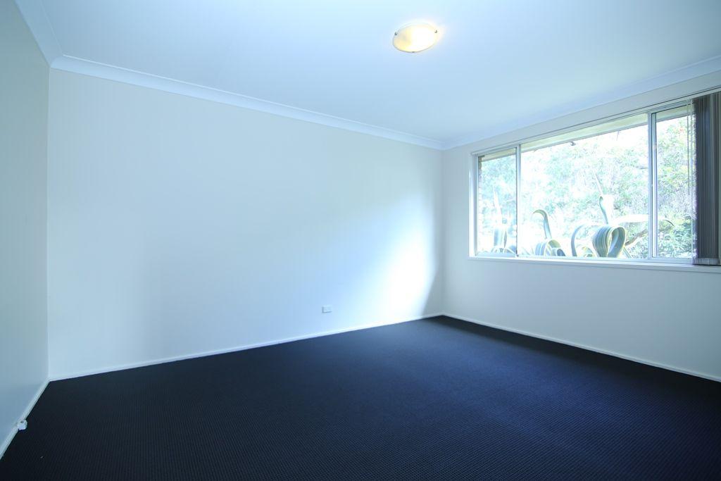 17 Valparaiso Avenue, Toongabbie NSW 2146, Image 2