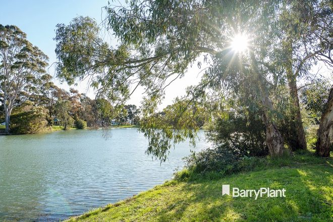 Picture of 5 Cairn Curren Close, ROWVILLE VIC 3178