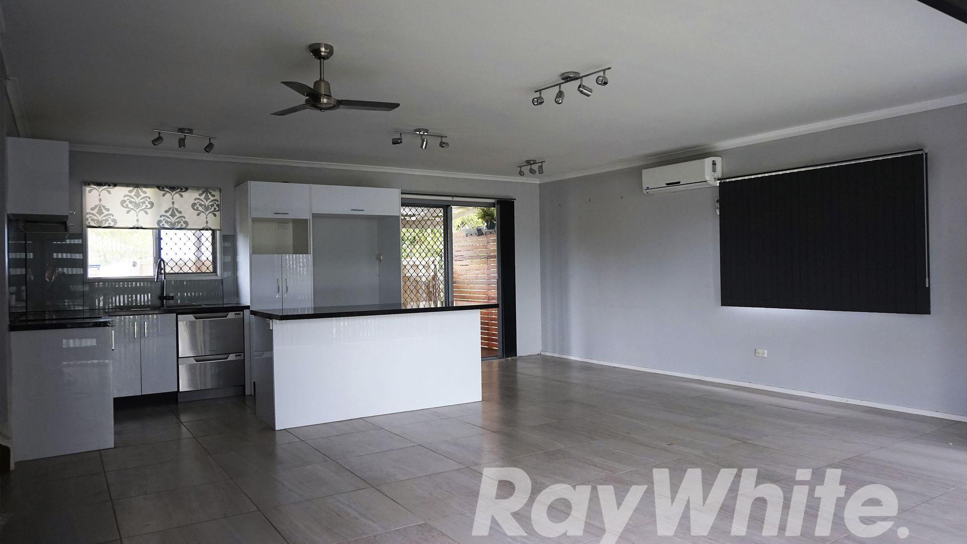 39 Redford Street, Kingston QLD 4114, Image 2