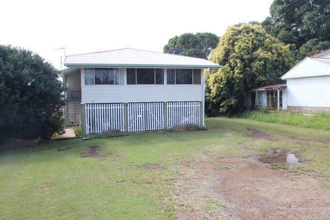 Picture of 28 Sarina Beach Road, SARINA BEACH QLD 4737