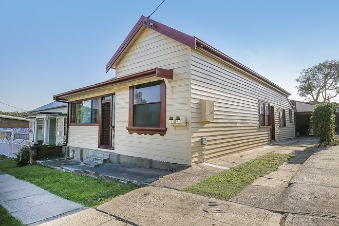 Picture of 2/110 Hanbury Street, MAYFIELD NSW 2304
