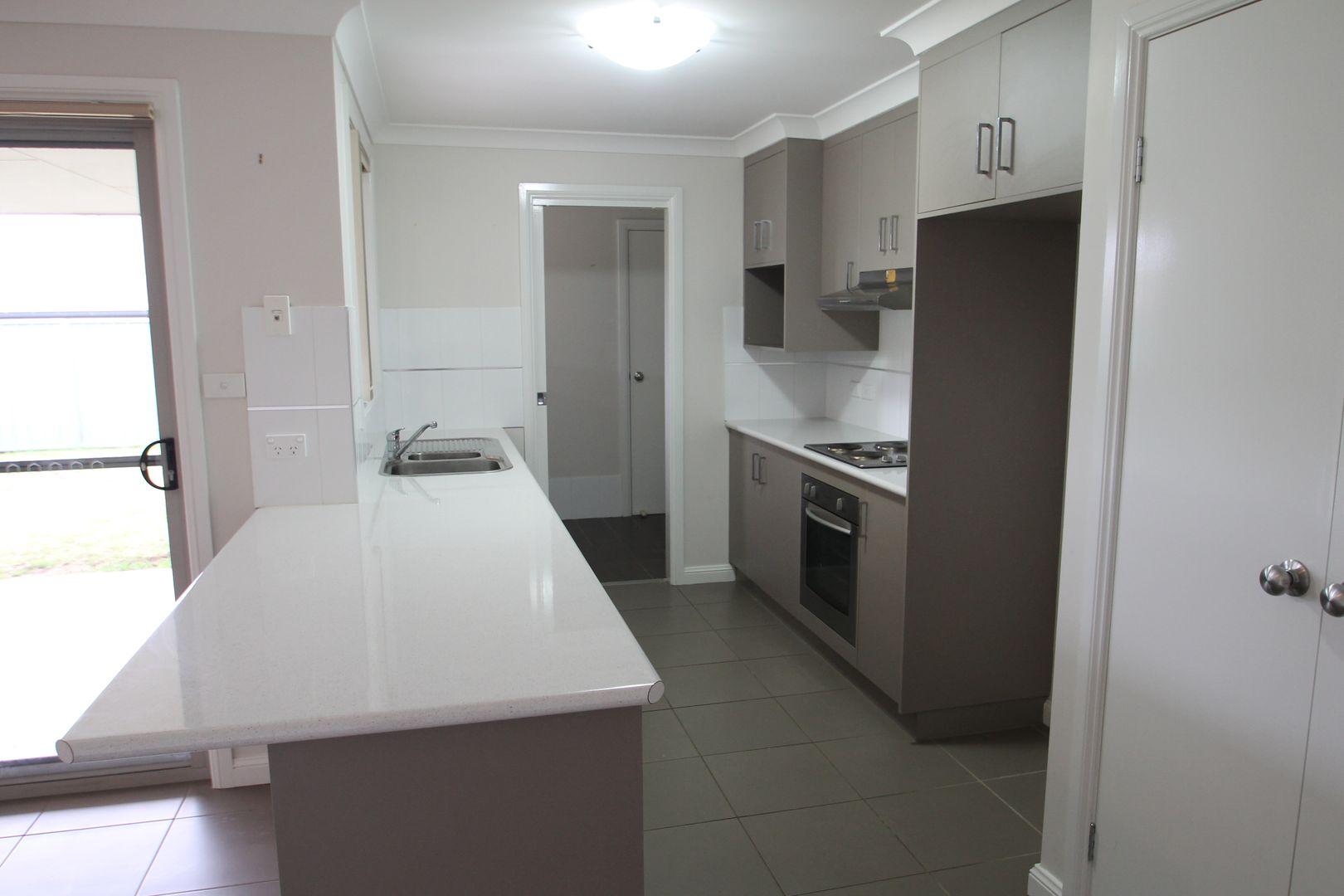 78 White  Circle, Mudgee NSW 2850, Image 2