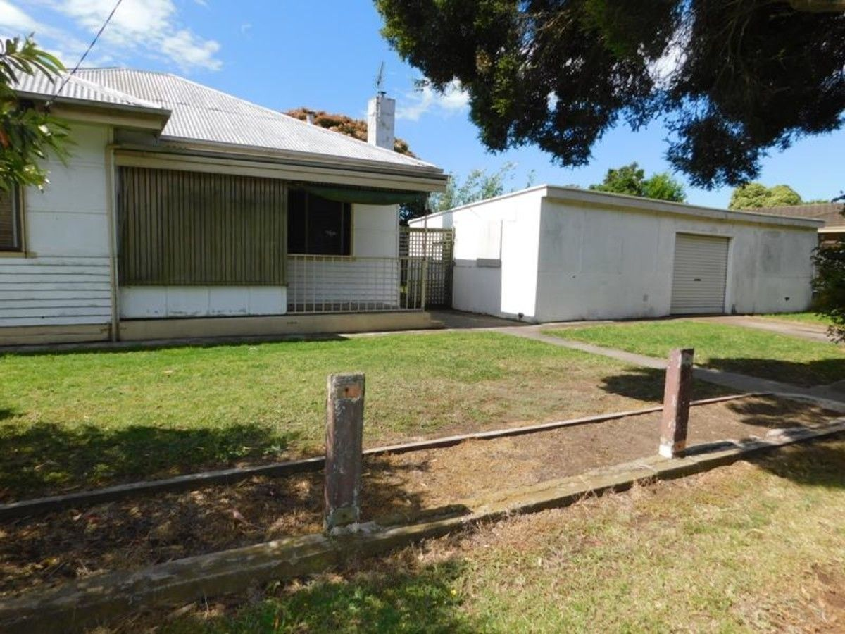 28 Ross Street, Sale VIC 3850, Image 1