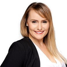 Natasha McMahon, Sales representative
