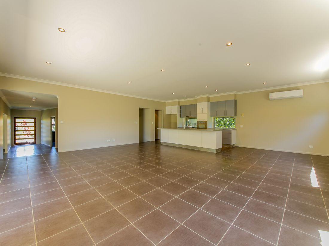 17 Bishopwood Court, Upper Coomera QLD 4209, Image 2