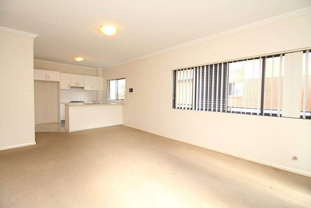 8/5 Pitt Street, Parramatta NSW 2150, Image 1