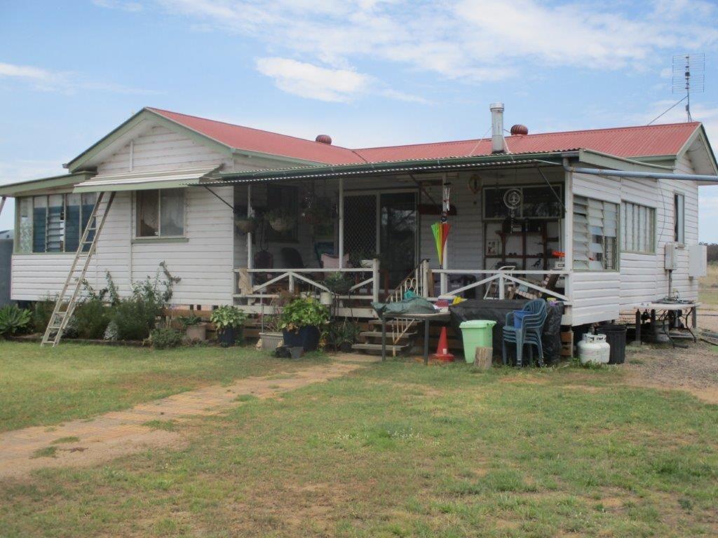 236 ACRES LIFESTYLE BLOCK, Chinchilla QLD 4413, Image 0