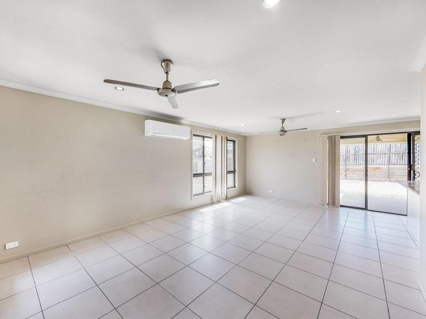 53 John Oxley Drive, Gracemere QLD 4702, Image 2