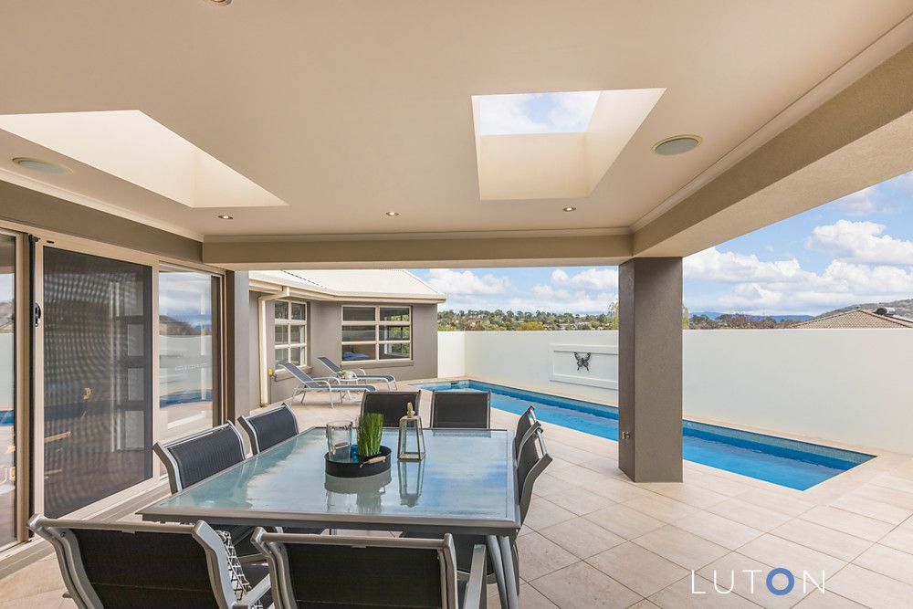 18 Hawkesbury Crescent, Farrer ACT 2607, Image 1
