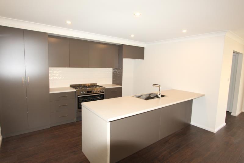 98 Messenger Avenue, Wagga Wagga NSW 2650, Image 1