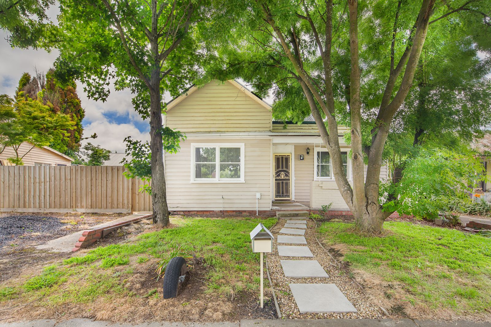 220 Clyde Street, Soldiers Hill VIC 3350, Image 0