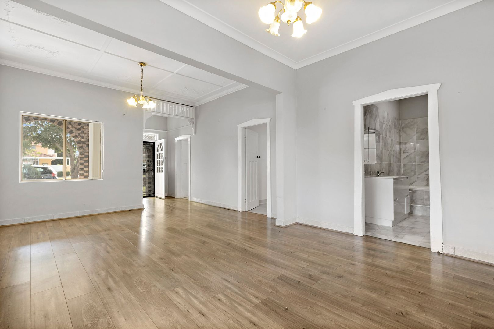 71 Ida Street, Sans Souci NSW 2219, Image 2