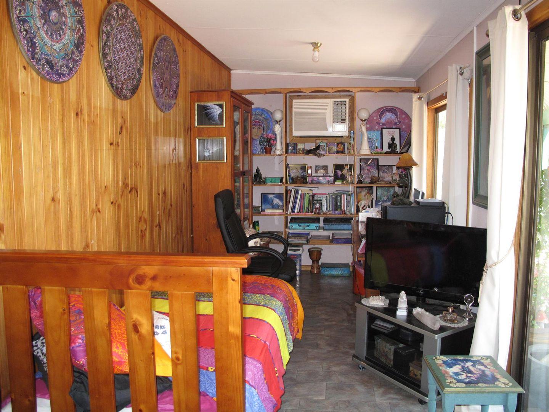 8 Cumberland Road, Port Clinton SA 5570, Image 2