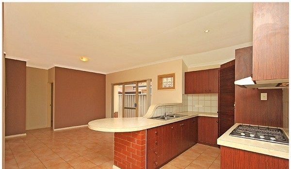 327A Crawford Road, Inglewood WA 6052, Image 2