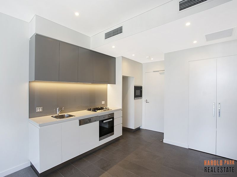 6705/162 Ross Street, Glebe NSW 2037, Image 2