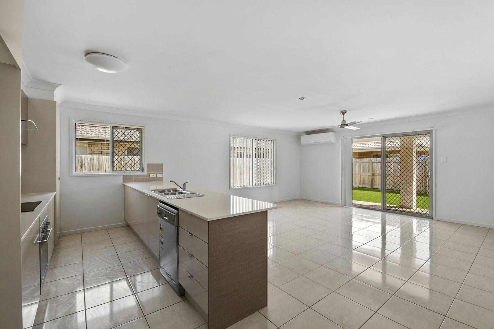 14 Clancy Court, Rothwell QLD 4022, Image 2
